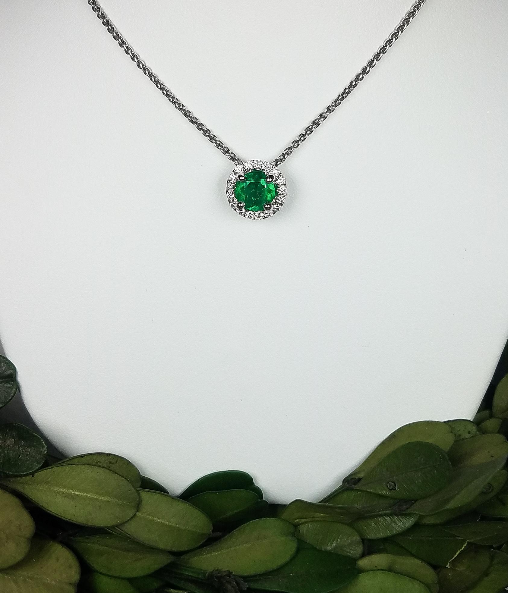 emerald_slider__redford_jewelers_holiday_2018.jpeg