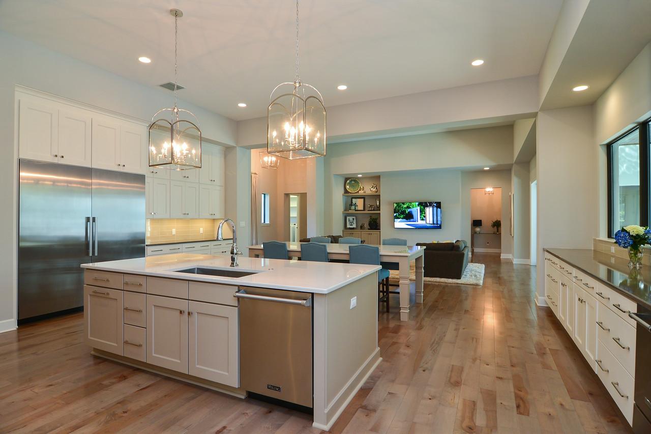 kitchen family2-X2.jpg