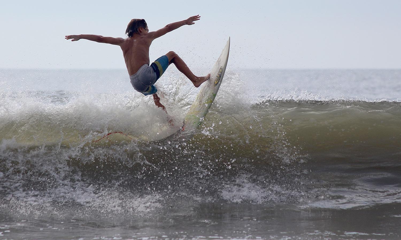OwenDunn-Surfing-03.jpg