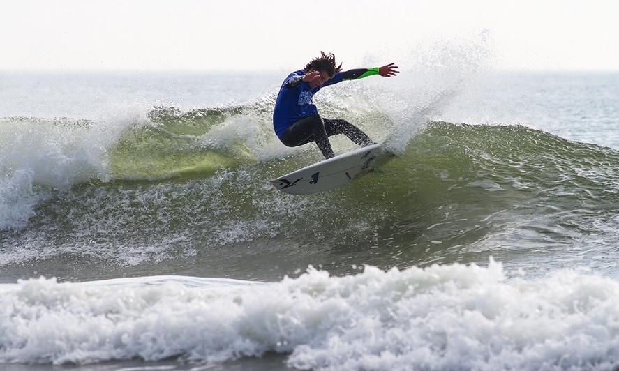 MichaelVanaman-Surfing.jpg