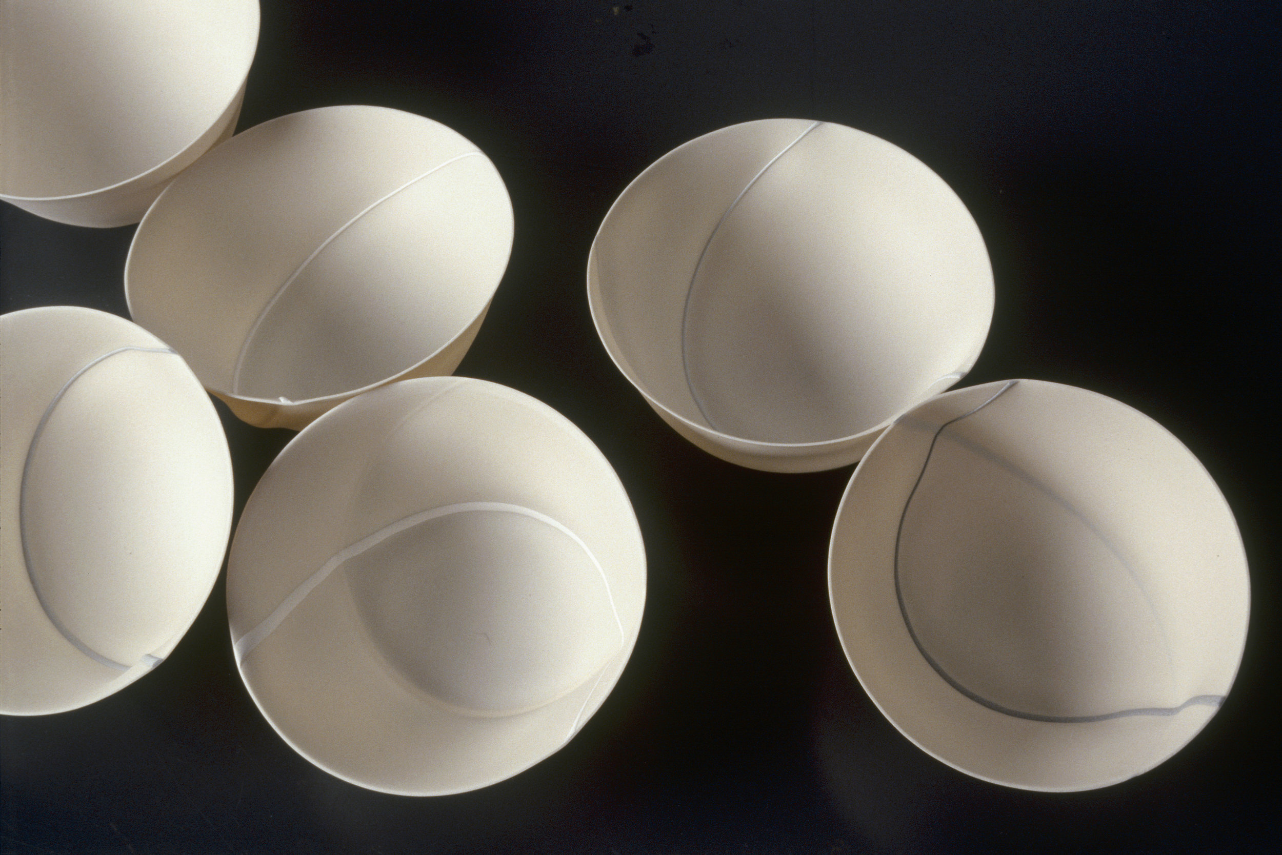 TRACE  SPUN PORCELAIN VESSELS  SMALL BONE CHINA IN - OUT  PHOTO: GRAHAM MURRELL