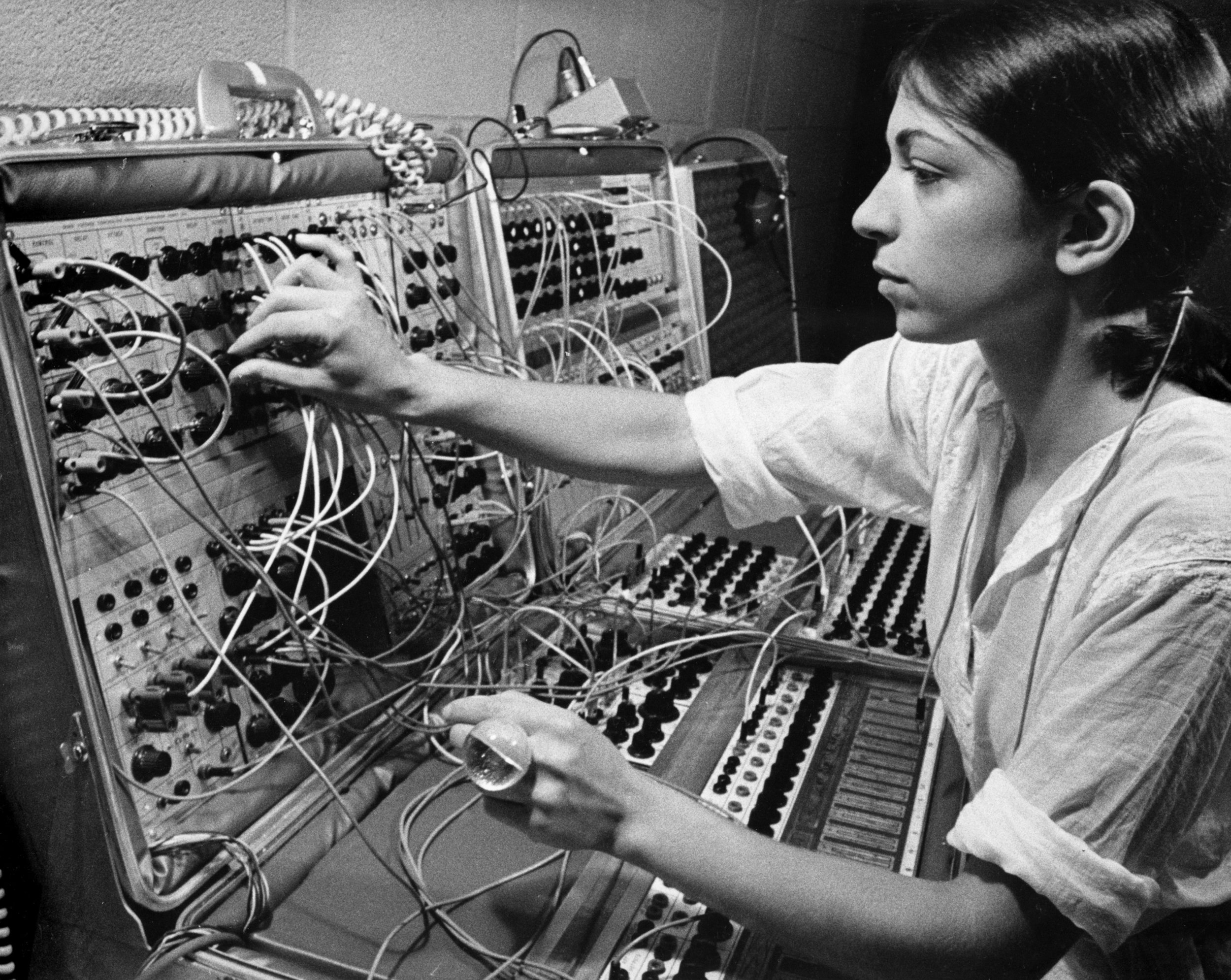 Suzanne Ciani with her Buchla modular synthesizer