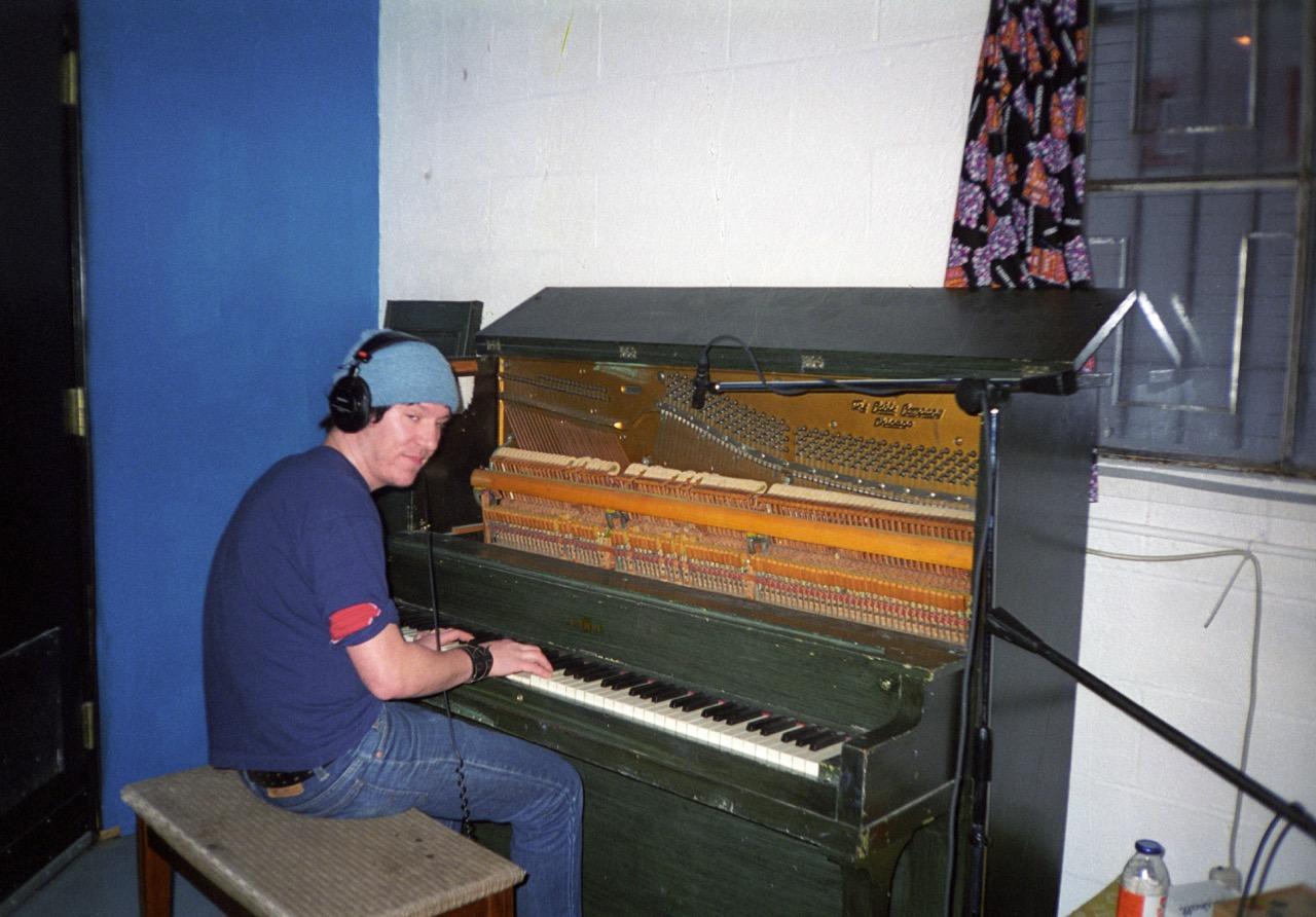Elliott at piano Baby Britain 1997.jpg