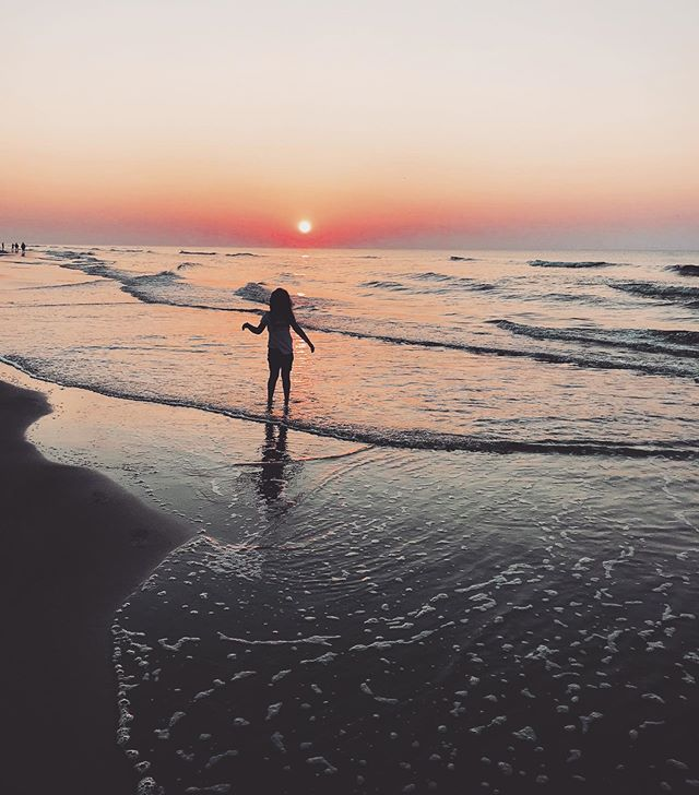 Much needed vacay with my littles in the dreamiest place #hhi ❤️❤️❤️ . . . . . . . #miraphotographs #hhi #hiltonhead #hiltonheadisland #dream #beachlife #beachsunrise #vacation #vacationmode #yeahthatgreenville #beach