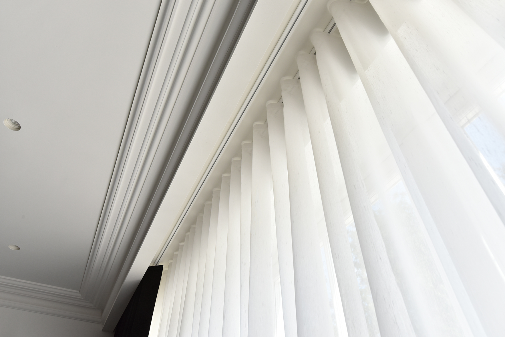 AURA CURTAIN TRACKS & BLINDS