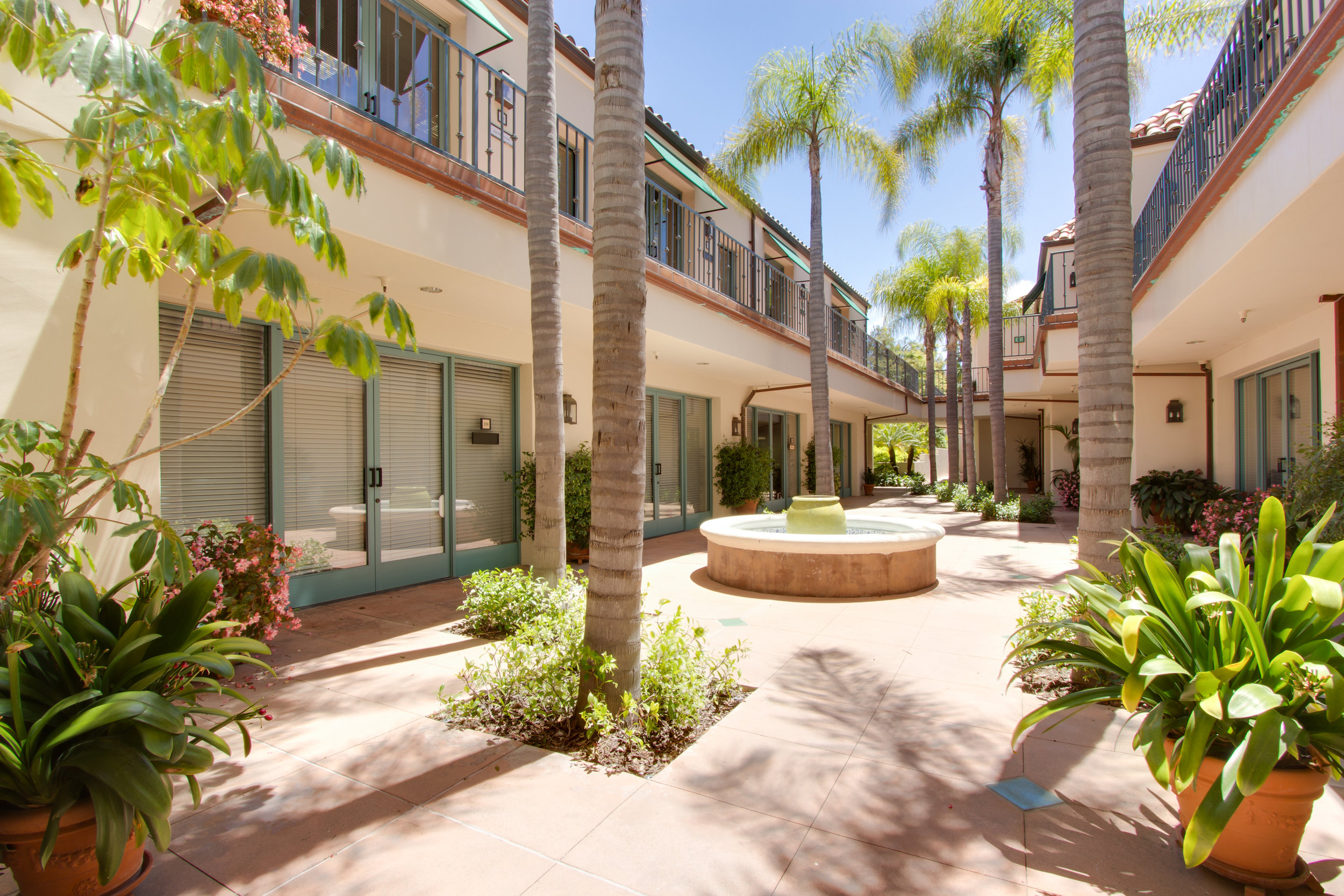 Copy of 550 Silver Spur COURTYARD.jpg