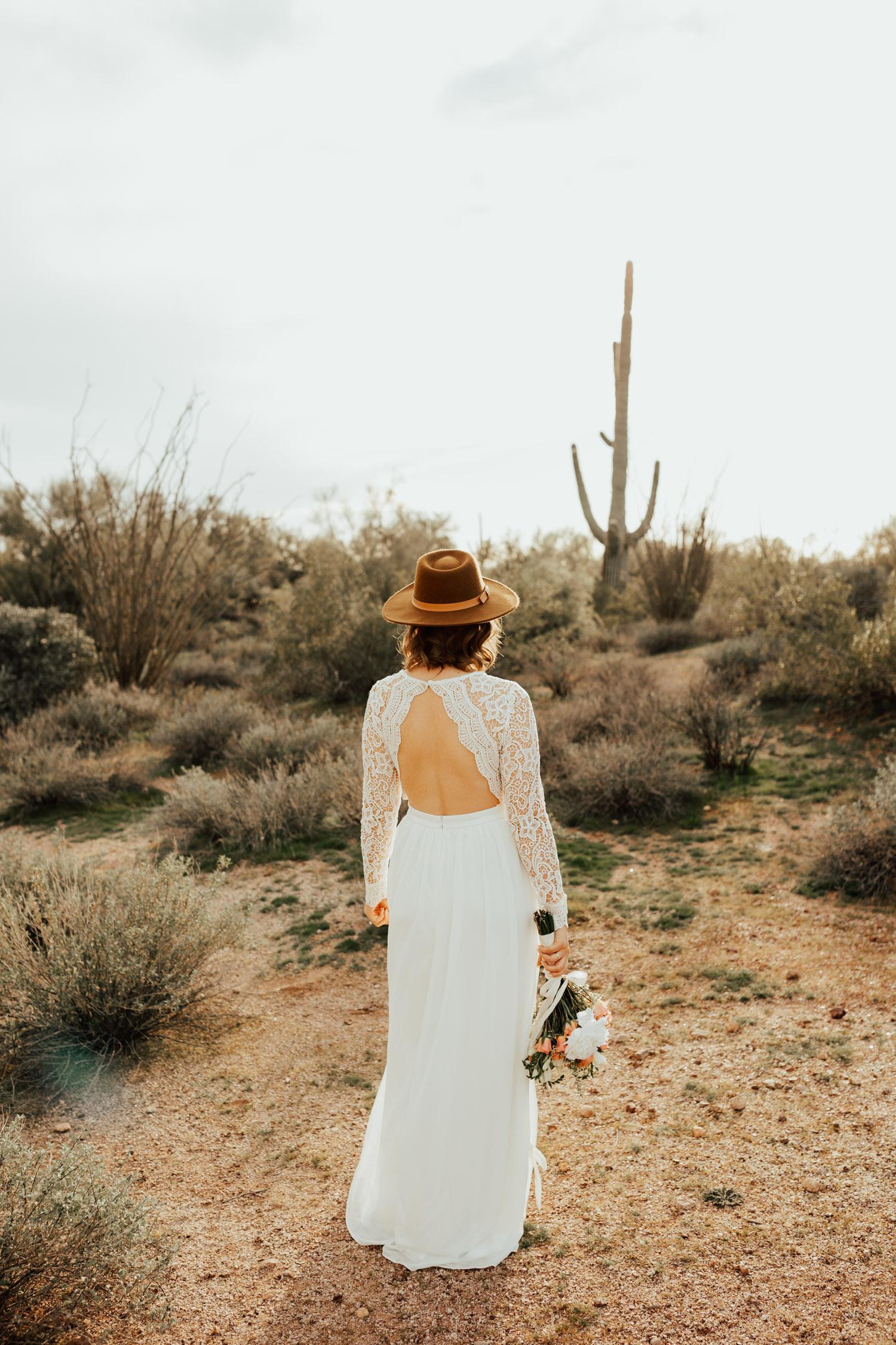 boho-desert-wedding-elopement-arizona-photographer-phoenix-bridals-enagement
