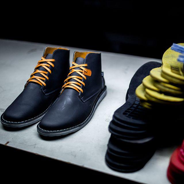 Hacer fotos para @bestias_xx es más wena onda que la tsutsa! ✖️✖️ #bestias #shoes #photography #photo #fun #passion #lovemyjob #fun #zapatos #factory #fotografia #inspiration