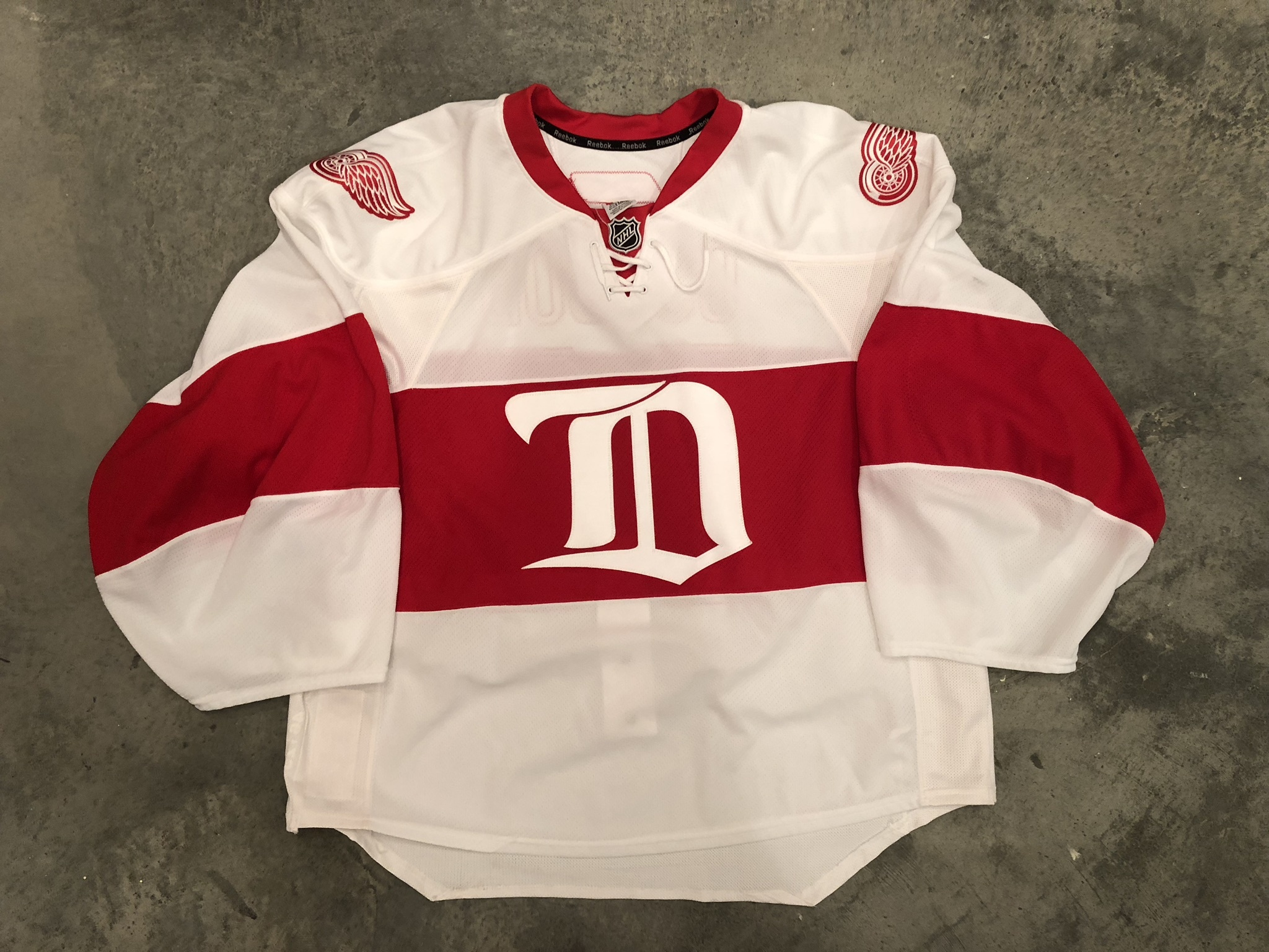 2008-09 Chris Osgood Detroit Red Wings Heritage Game Worn Jersey