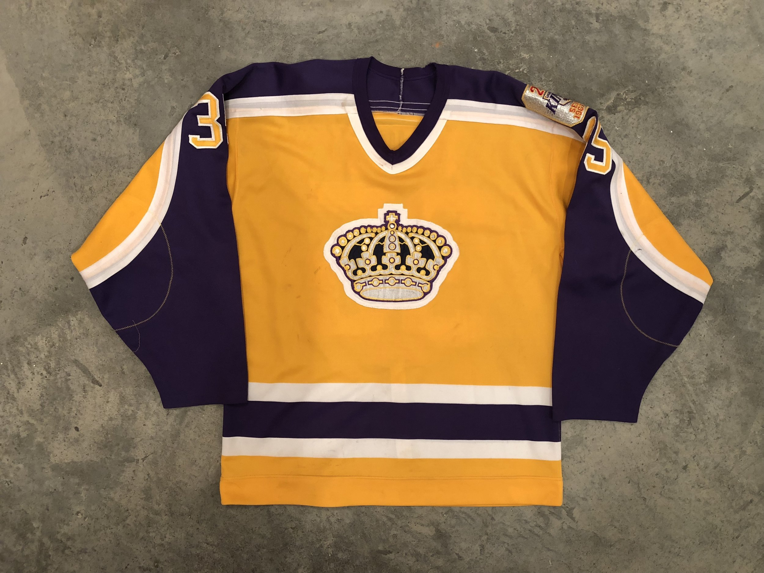 1986-87 Darren Eliot game worn home jersey with Kings 20th anniversary patch