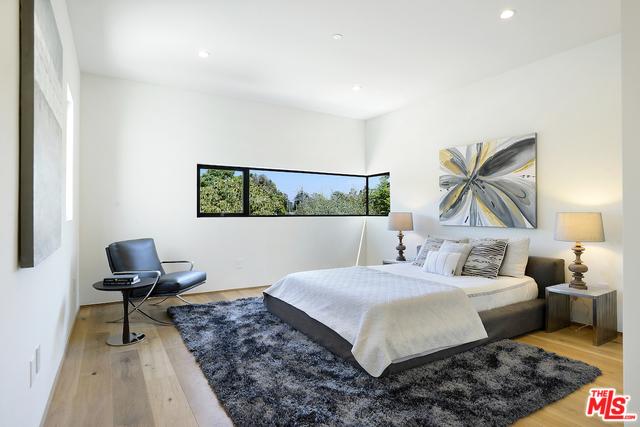 Bed 2'.jpg
