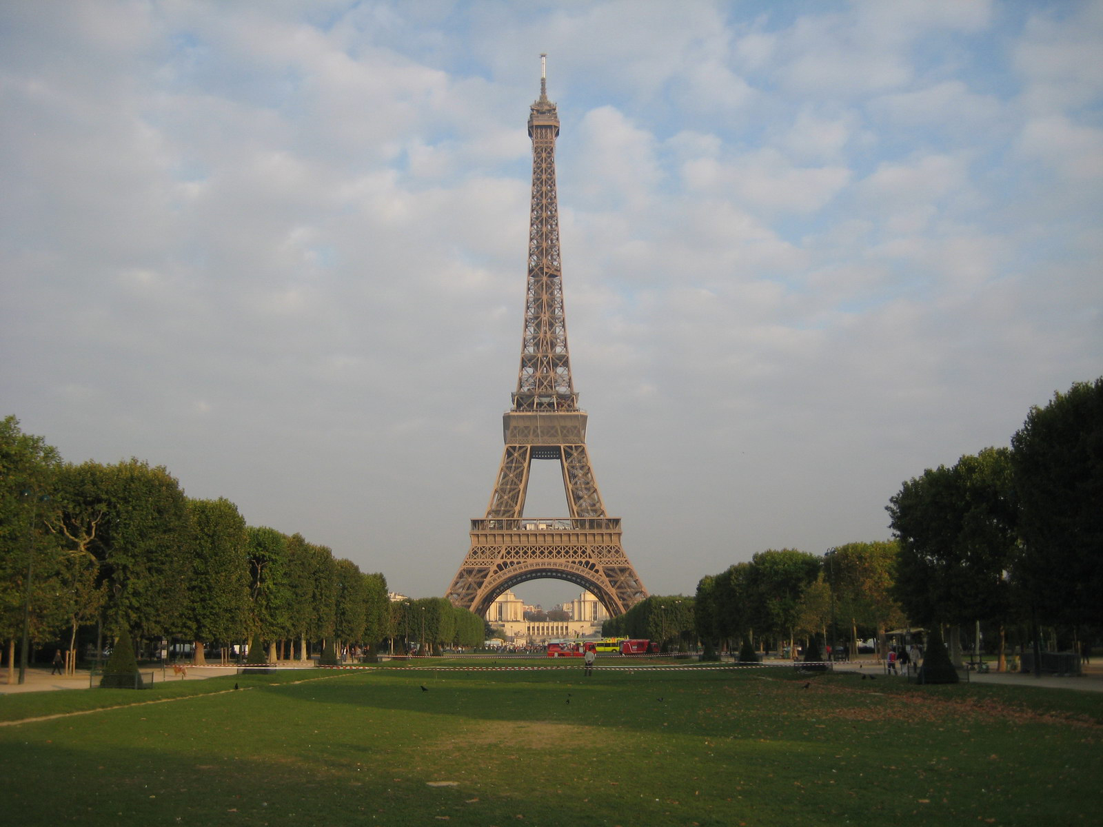 Fig. 1. A view of the Eiffel Tower from the Champ de Mars. CC BY 2.0 by Terrazzo.