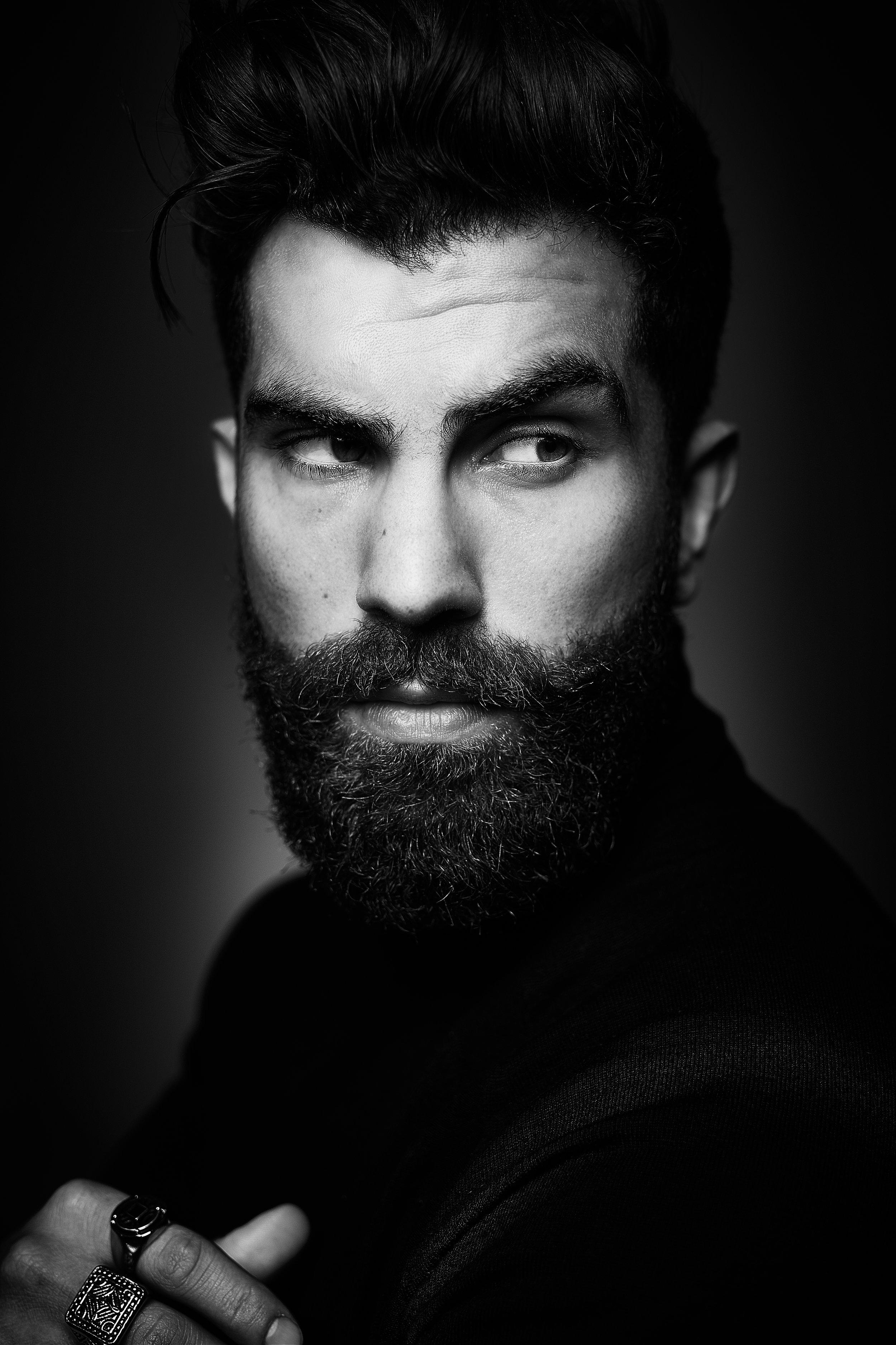 Portrait_063_Reza_Jackson_10428.jpg