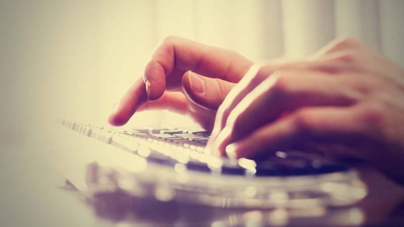 website-Media-hands.jpg