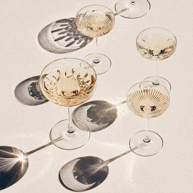 #TGIF! Happy hour is just around the corner. Cheers! 📷: @jossmckinley