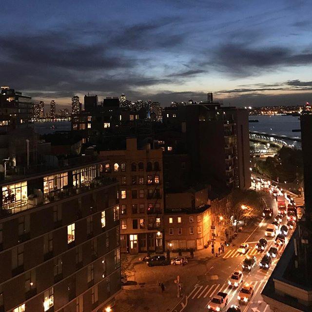 Good night, New York! You beautiful beast. 😍 . . . . . #lizbickleystudios #events #eventplanning  #colors #love #springtime #springinthecity  #newyork #inspiration #partyplanning #eventplanners #nycevents #spring #cocktailparties  #nyc #events #natural beauty