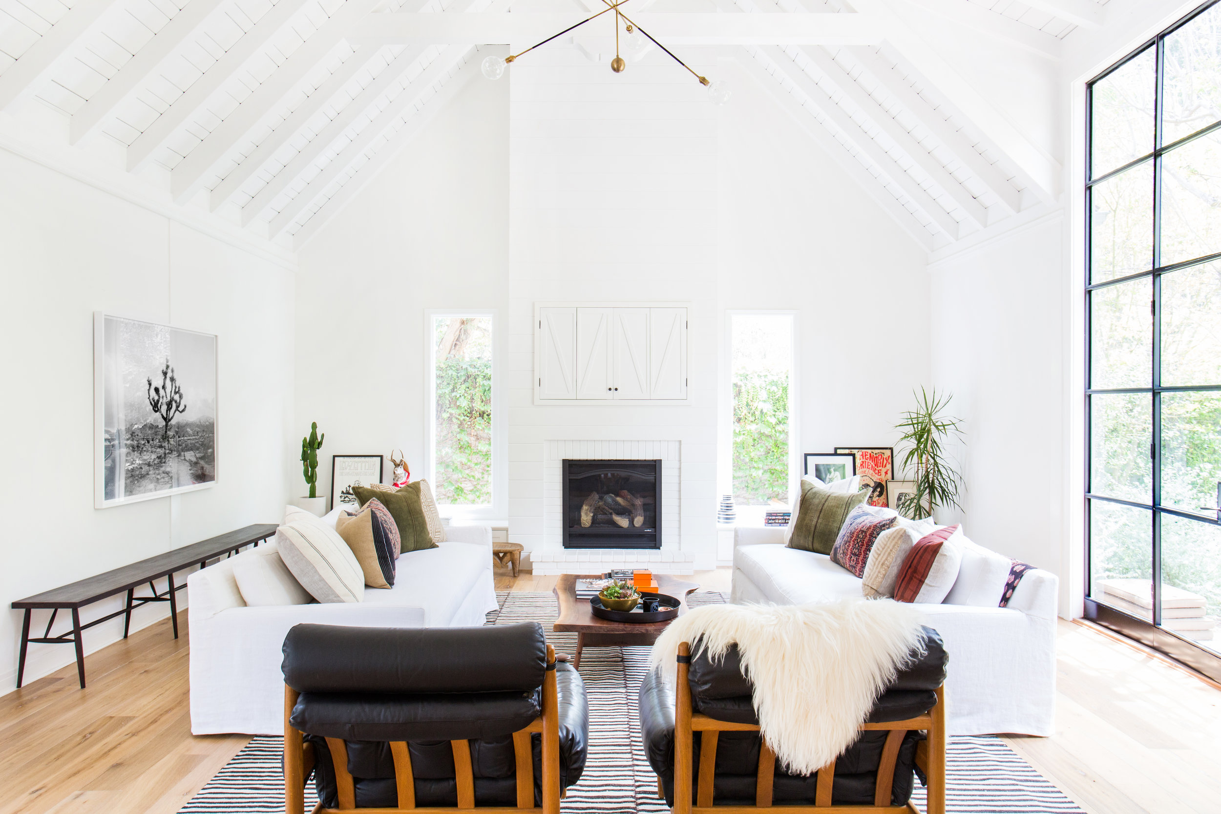 Beautiful living room by  Amber Interiors