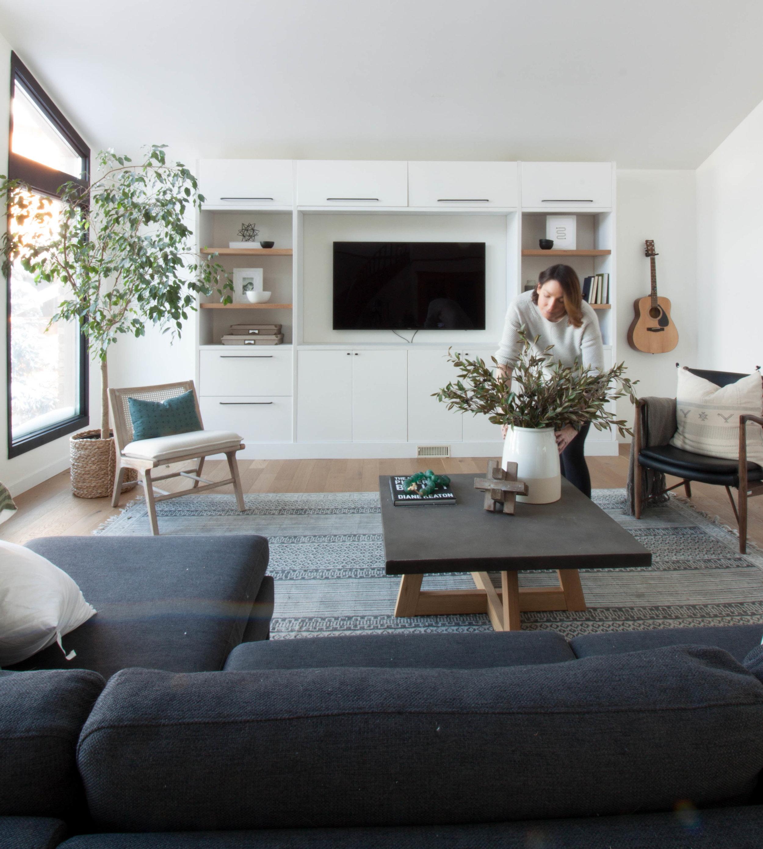 Living room 17-19.jpg