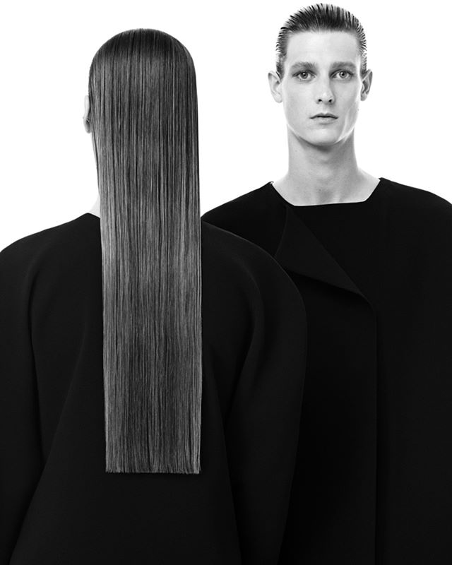 I love @radhourani, the first unisex Haute Couture brand in fashion history, the #unisex #genderneutral collection in fashion history is born in 2007. His art is #genderless #raceless #ageless #nationless #limitless.  His designs are asexual, aseasonal, they come from no place, no time, no tradition, yet they could be home anywhere, anytime. They exude the essence of timeless style drawn on a monochromatic and graphical canvas. Palette of blacks and shades of timeless colors, sophisticated unisex modern classics for anti-conformist individuals.  While his line is fur & leather-free, I am hoping Rad Hourani will evolve towards a fully animal-free collection in the future (no animal fibers such as wool or silk). This decision would make his strong message powerful and complete.  #veganfashionweek #vfw #veganluxury #veganfashion #ethicalfashion #furfree #leatherfree  #smartfashion #genderfluid #unisexfashion #minimalfashion