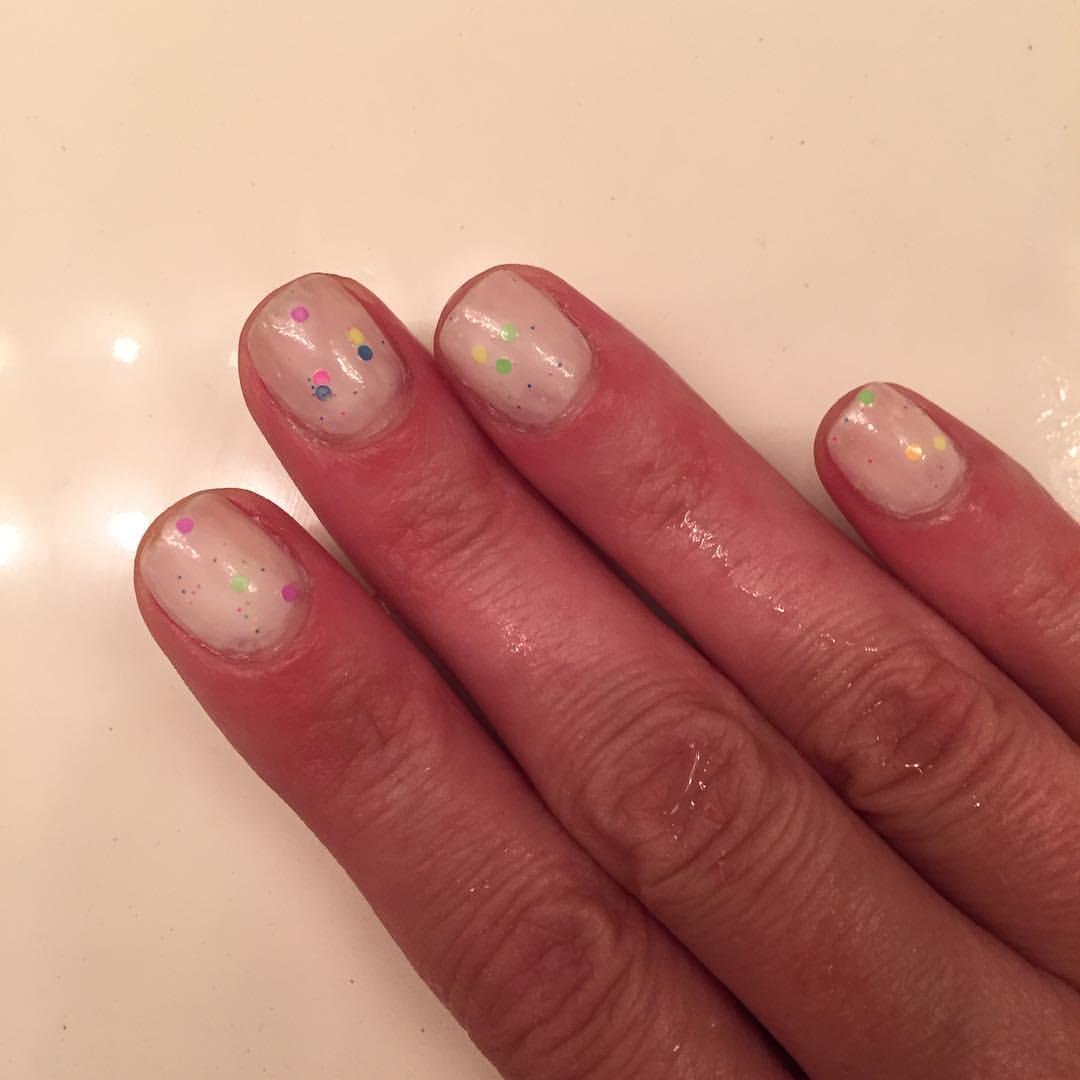 "@kbshimmer ""Neon Me"" #confetti #nails #manicure #mani #coloroftheweek #polish #nailpolish #beauty #blogger #somethingdifferent"