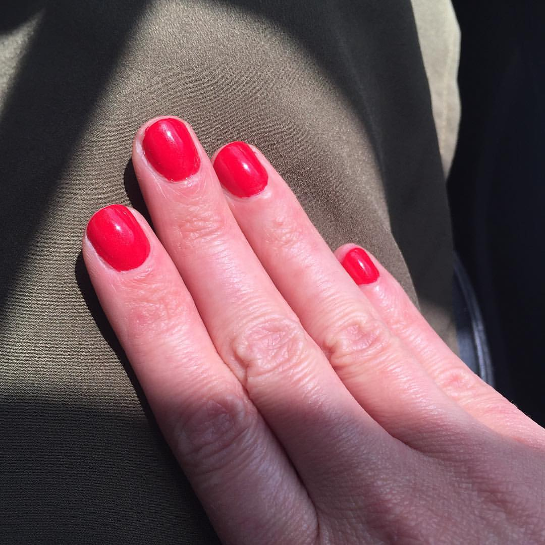"@opi_products ""Color So Hot It Berns"" #nails #manicure #nailpolish #polish #coloroftheweek #beauty #classic #red"