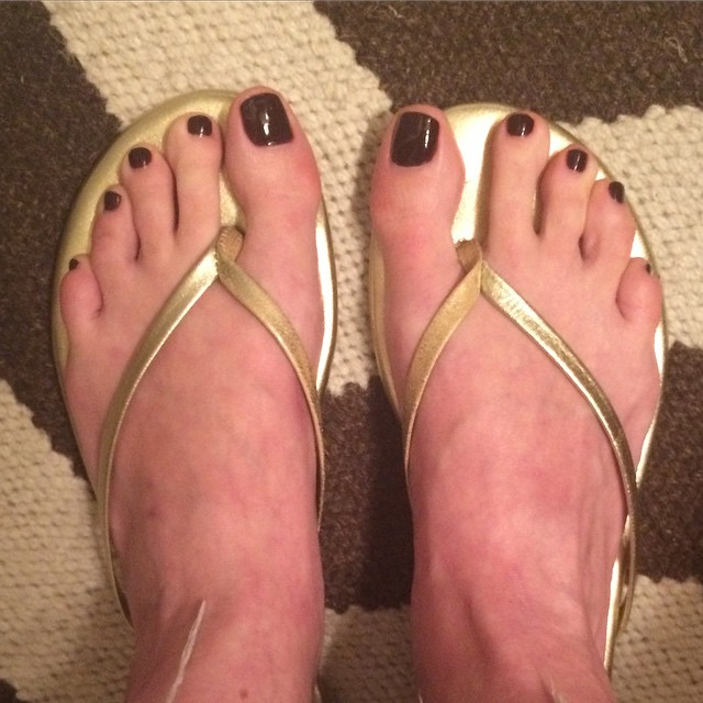 """Fresh #pedicure with @essiepolish  """"Shearling Darling."""" #toes #feet #beauty #muchbetter"""