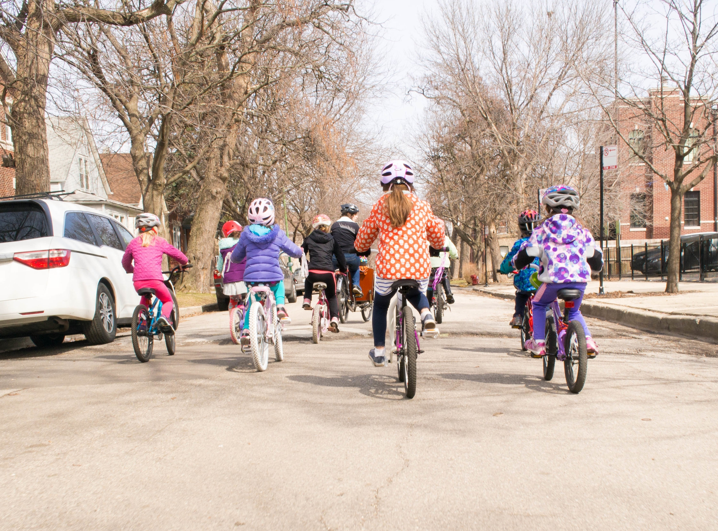 Ride with us!    Come on one of our neighborhood Kidical Mass rides or volunteer to help us at an event.