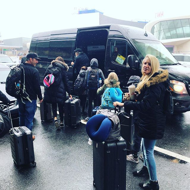 When you travel with 8 people to NYC you take the @jetblue and order the #partybus to get into the city. #traveltuesday #travelwithkids #lifeofbadassmoms #jetblue #getoutside @bucketlistnewyork @nycbucketlist @roadrebel_apparel