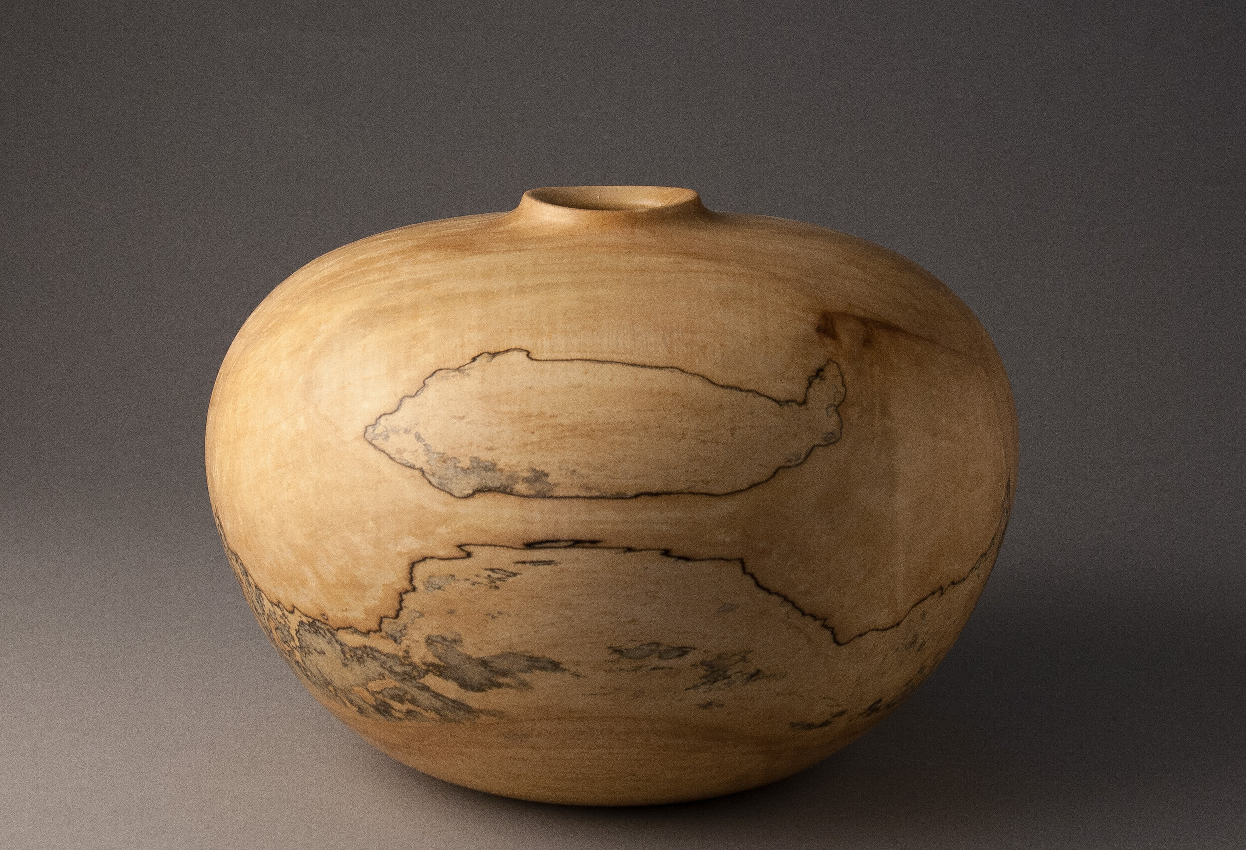 Spalted Vessel 1.jpg