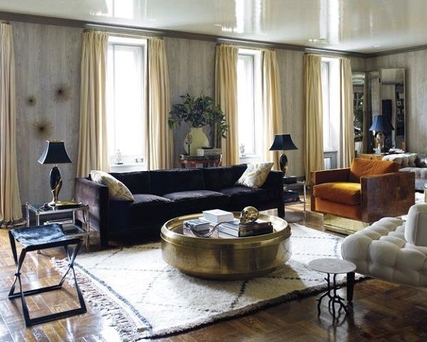New York stylist Jackie Astier included a Baughman sofa in her Upper East Side apartment. photo: Eric Piasecki.