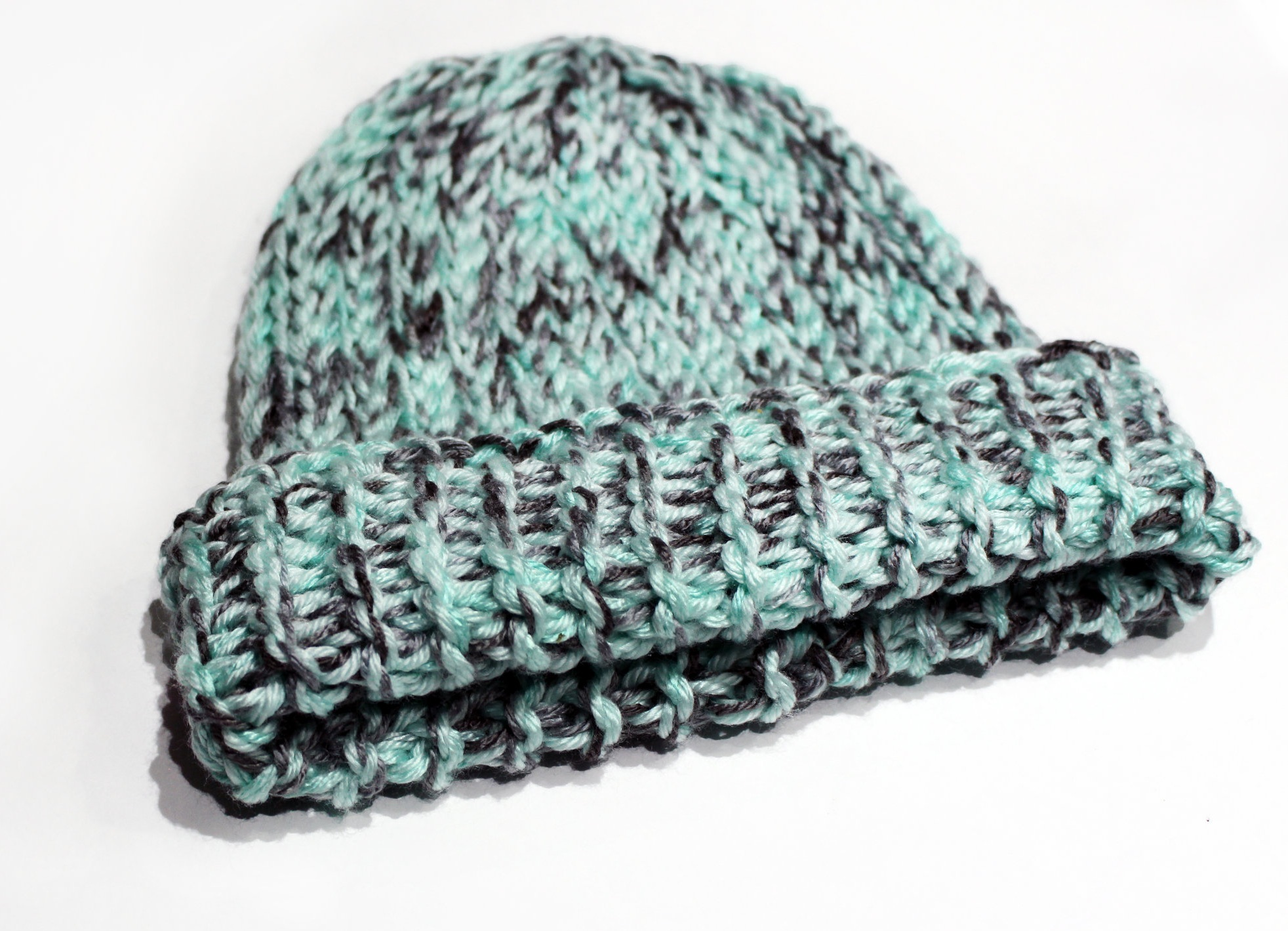 The Evangeline slouchy Beanie pattern includes 10 sizes from Preemie to Adult Male & is reversible!