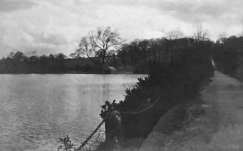 Mapperley Reservoir pictured around the time of Buckley's carp captures. (Click image to enlarge.)