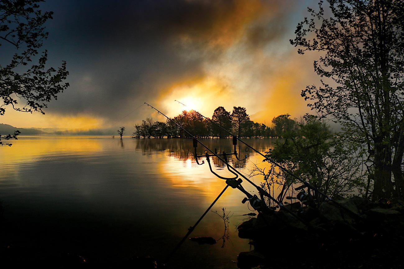 Dale-Hollow-sunrise-sm.jpg