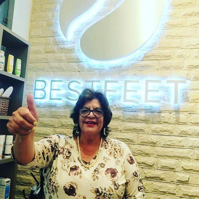 Elsa García Torres fue otra feliz ganadora de un servicio de podología que regalamos en el programa de La Mujer Actual con nuestra querida amiga Janett Arceo.  La cara de Elsa lo dice todo, gracias por haber participado ¡nos encantó apapacharte! #Bestfeet #podólogos #podología #manicure #pies #salud #manos
