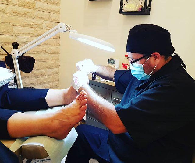 Si estás buscando un servicio de podología y/o manicure 100% profesional y te gustan los apapchos BESTFEET es tu opción.  Llámanos al 5085 4078 para concertar una cita en la  que vivirás toda la experiencia BESTFEET con cualquiera de nuestros servicios. ¡Verás cómo haremos que  cambie tu día!  #Bestfeet #podólogos #podología #manicure #pies #salud #manos