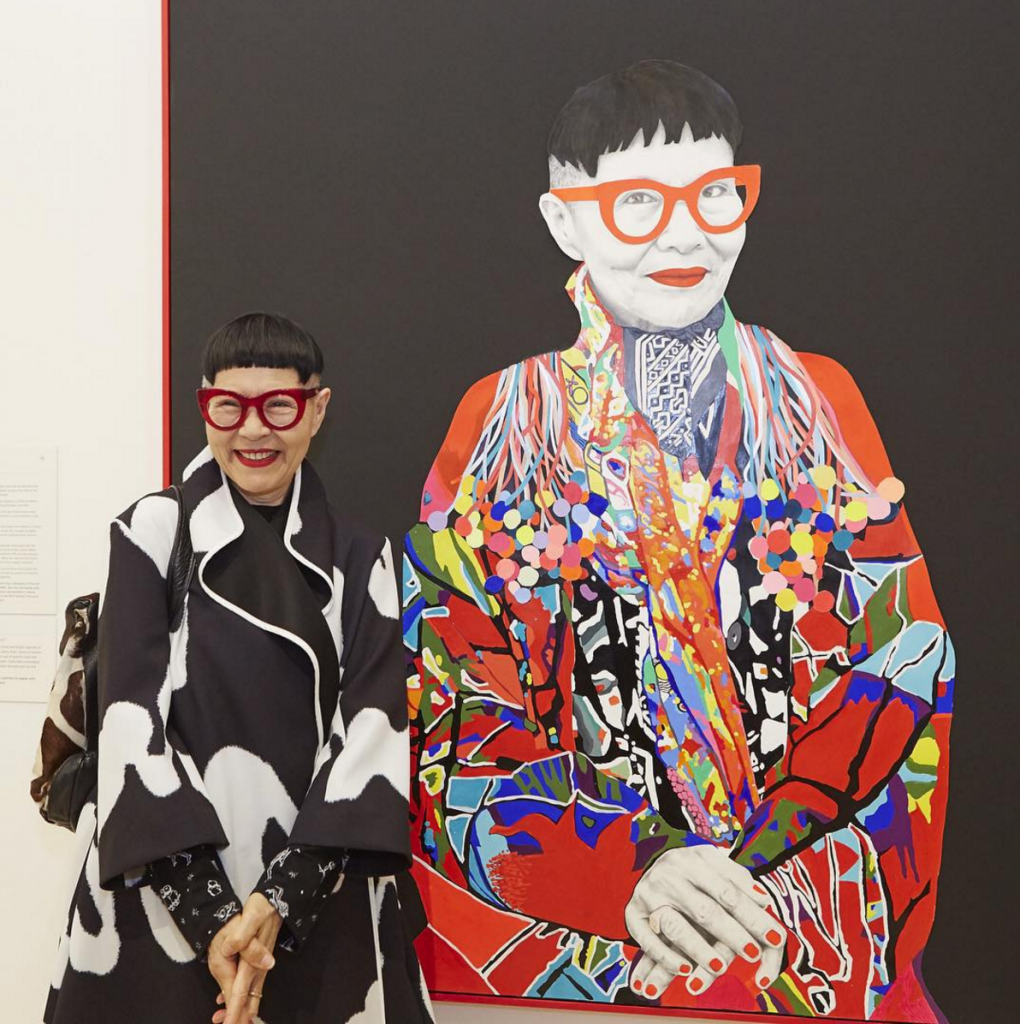 JENNY KEE in front of portrait at The Art Gallery of New South Wales 2015