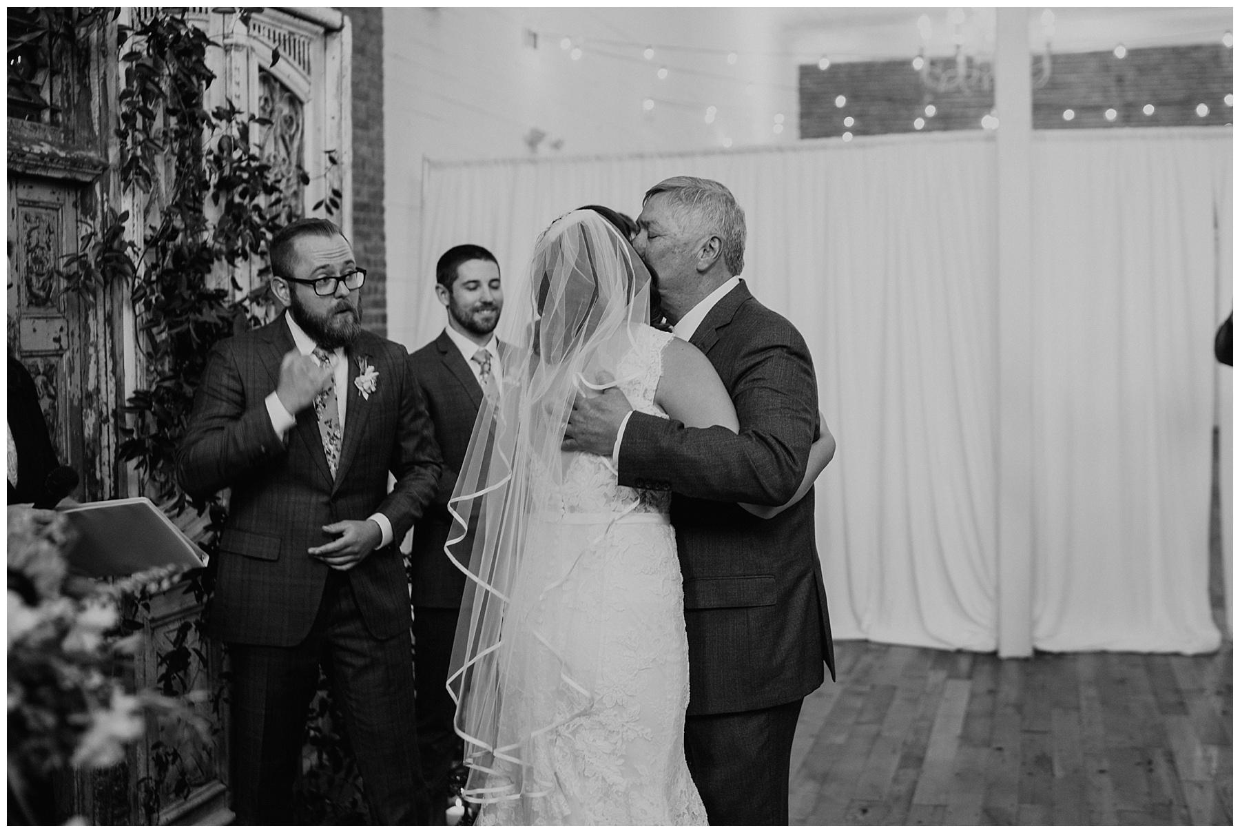 the_ravington_wedding_arkansas_0047.jpg