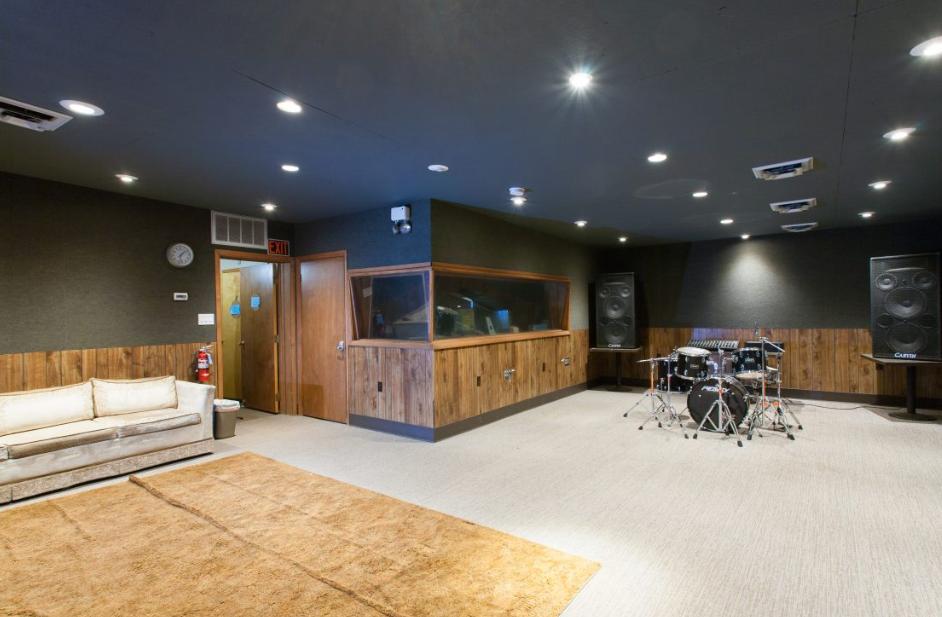 Hive Studio 2.PNG