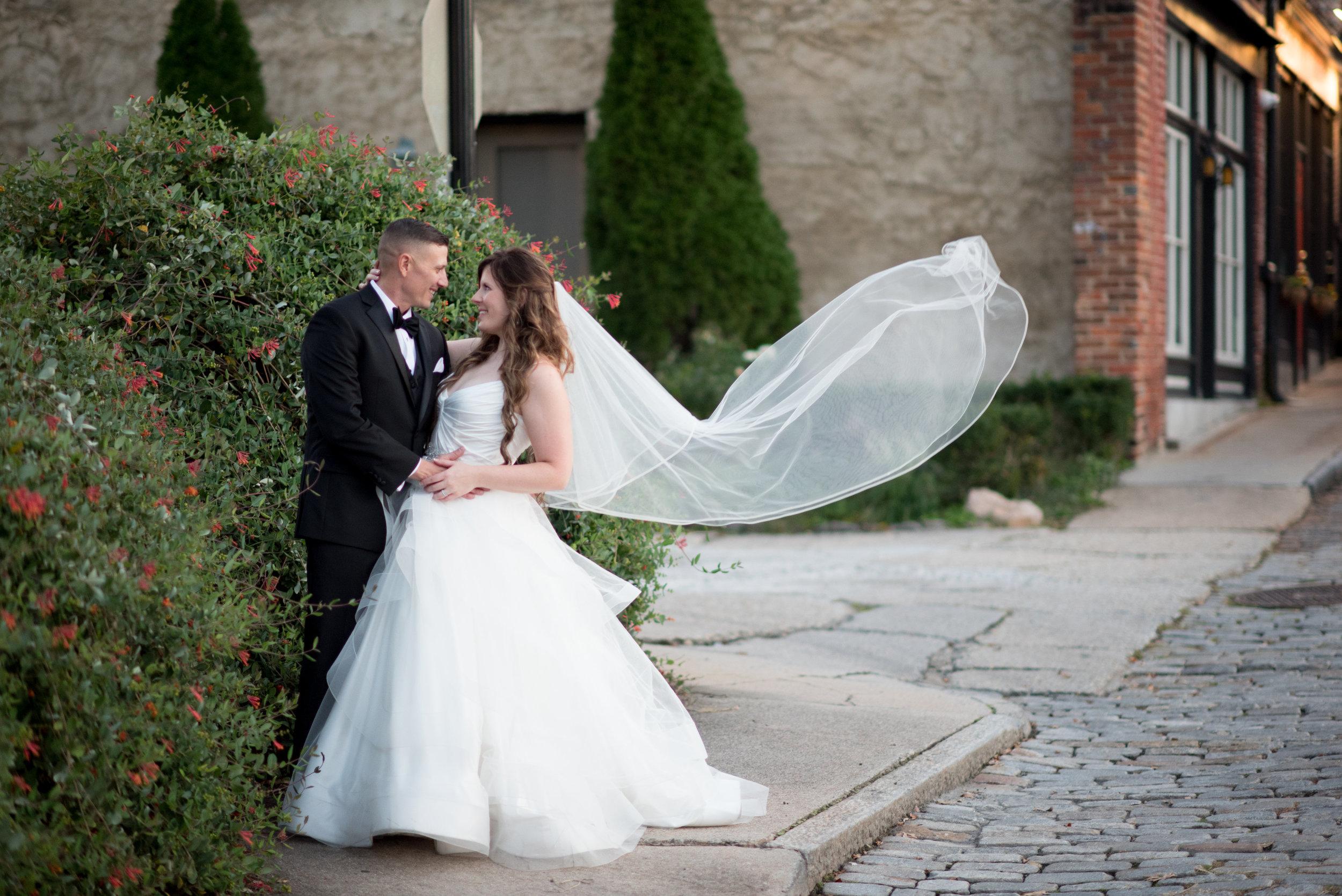 Chris Loves Alyssa-Wedding Preview-0255.jpg