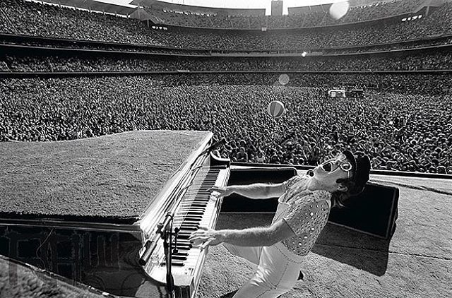 My wife says I need to learn some new music for my gigs. What do you guys want to hear? Comment below and tell me what you think! 👇🏼👇🏼👇🏼 • • • • • (Photo: Elton John at Dodger Stadium in 1975)