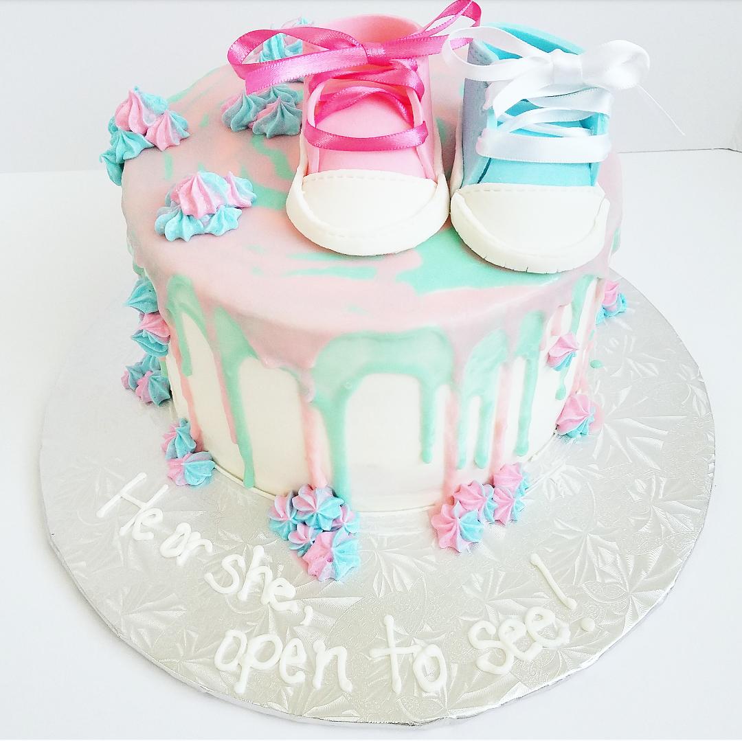 gender reveal cake.png