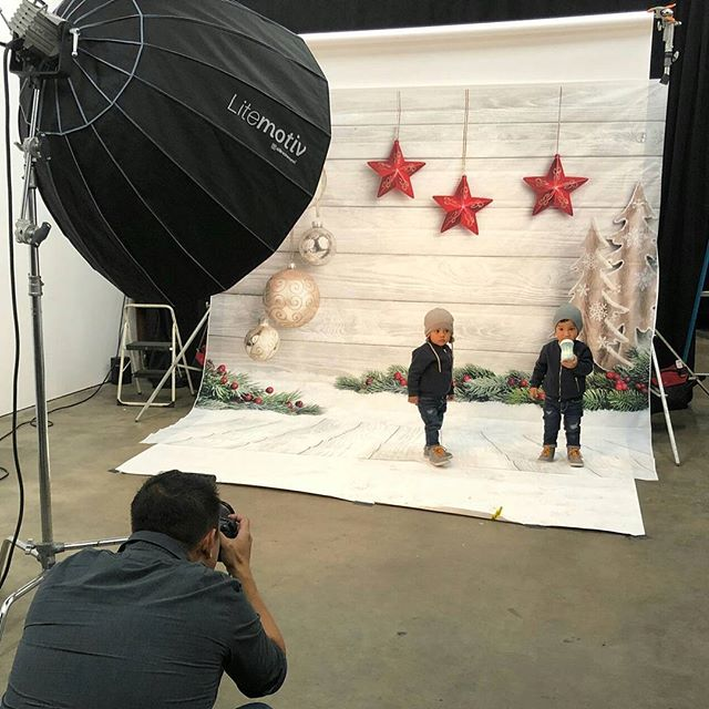 Behind the scenes Holiday photoshoot with @coremediaphotography #bts  #amandespace #christmasphotoshoot