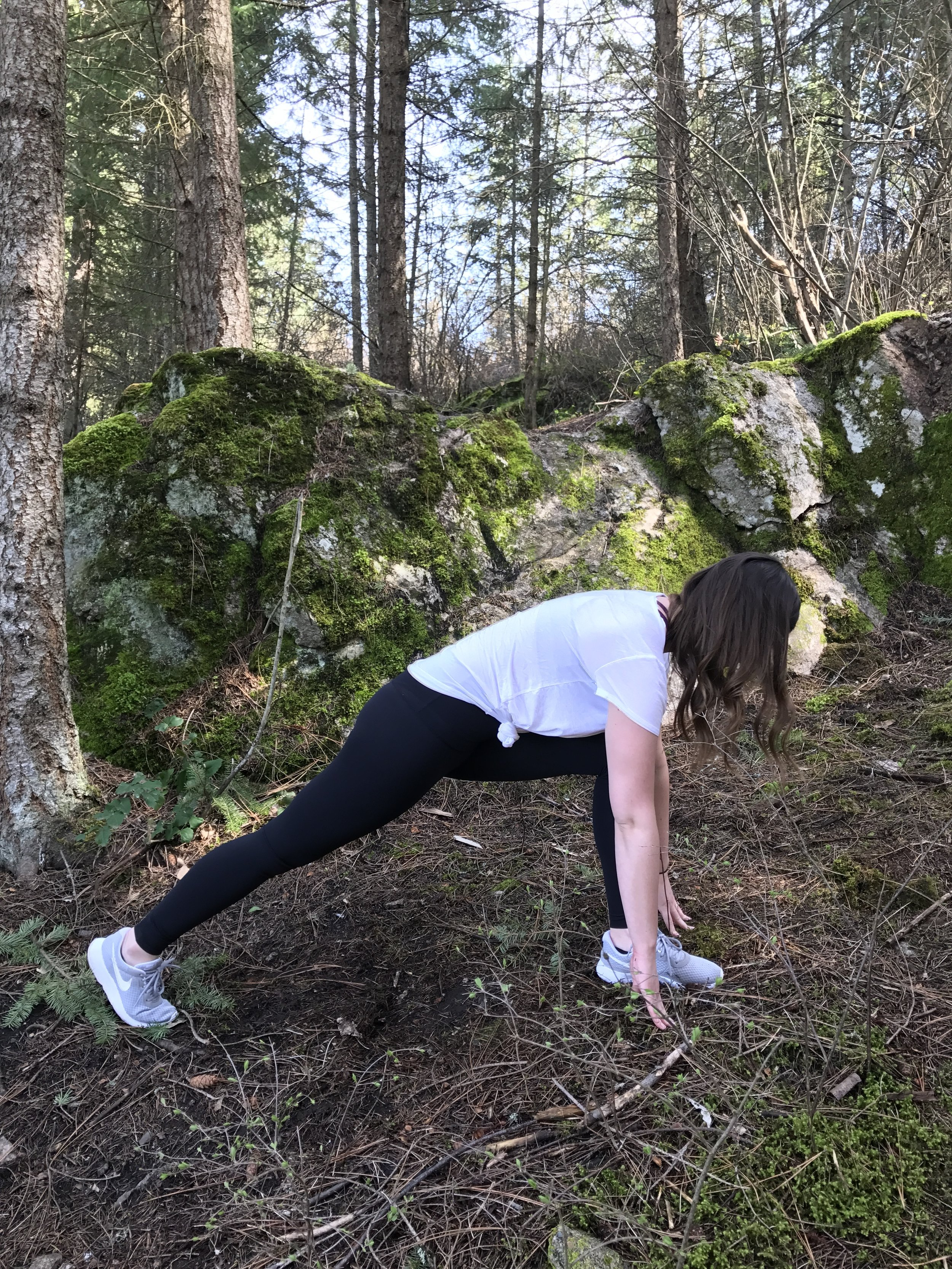 Lunge Flow: Start in a low lunge, making sure the bent leg side glute is enagged.