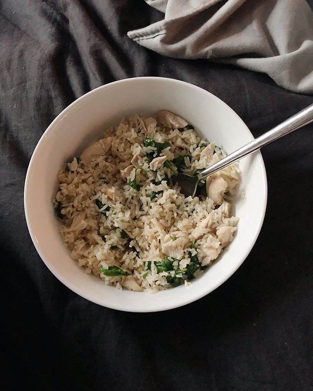 This was my go-to post partum meal:  -Rice cooked in bone broth (how in the world had I not tried this before) -Shredded chicken thighs  -Sautéed spinach or arugula or some kind of veggie   I wanted something simple, easy to digest, and filling! I normally eat way more veggies than this but it was the perfect meal for me those first few weeks! Do you have a favorite meal you make new mammas or you liked to have your first few weeks post partum?