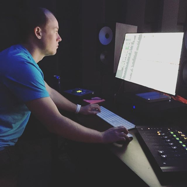 Our volunteer engineer/producer @southxbrandon burning the midnight oil helping mix our songs, putting on the finishing touches! 🤗 #3chordsorg