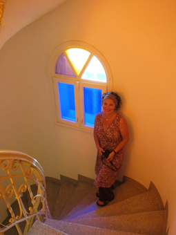 Me-on-the-spiral-staircase-of-Simotas-Building.jpg