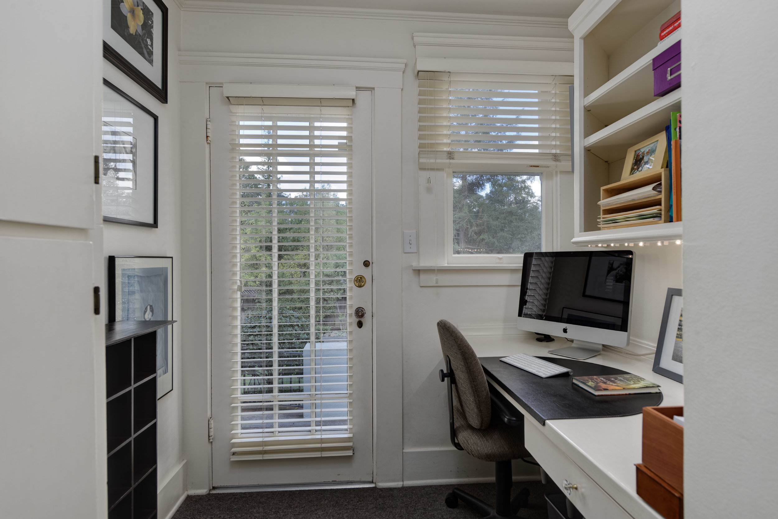15. Office.jpg