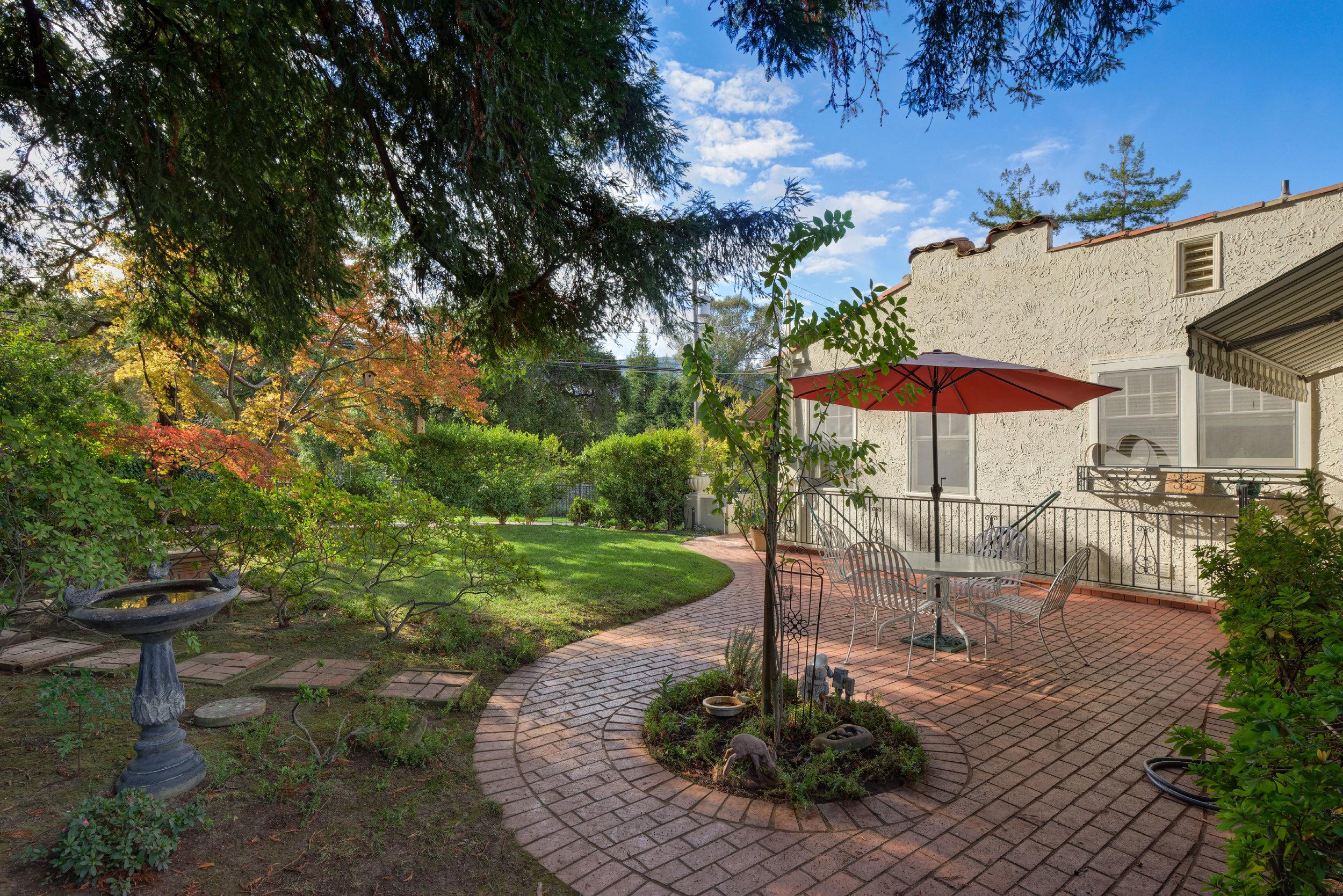 25. Brick patio1.jpg