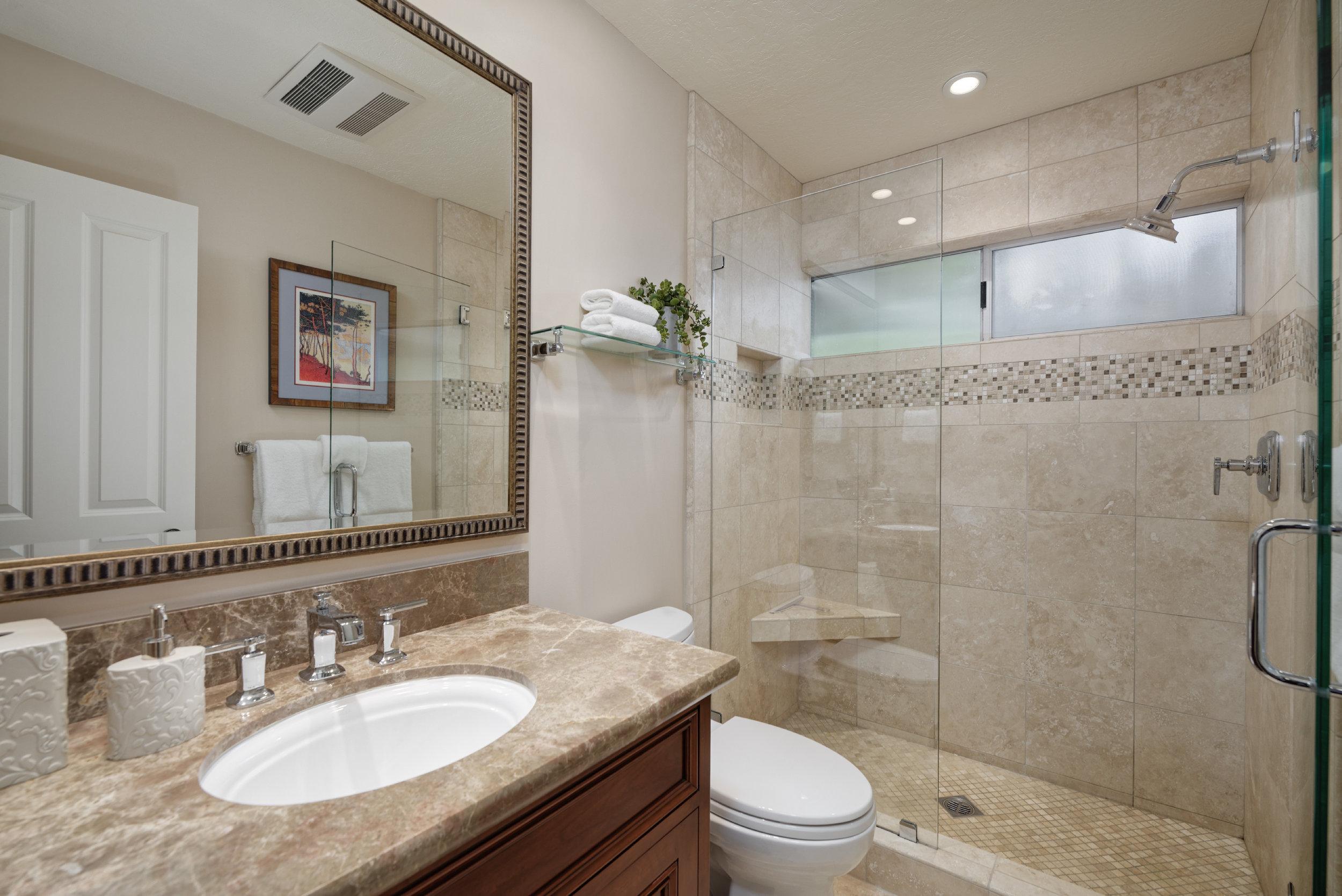 27_Bedrm Bath.jpg
