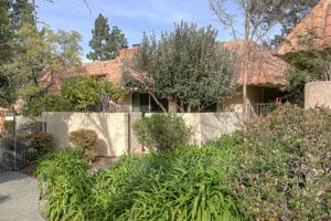 259 Casitas Bulevar, Los Gatos  2 bedrooms • 2 bathrooms • 1,268 sq ft interior